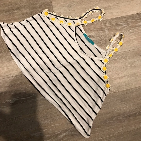 Tops - striped cropped top with flower straps!